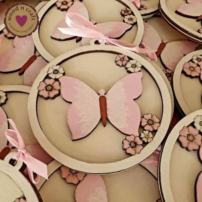 Ξύλινο προσκλητήριο - Πεταλούδα με λουλούδια