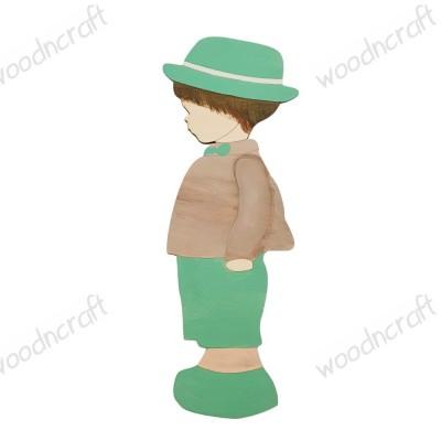 Ξύλινη φιγούρα - Παιδάκι με καπέλο