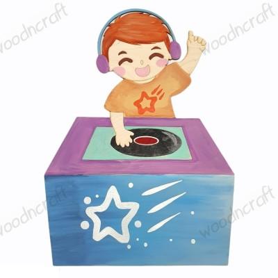 Ξύλινη φιγούρα - Αγοράκι DJ