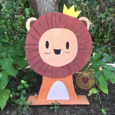 Ξύλινη Φιγούρα Λιοντάρι με Κορώνα